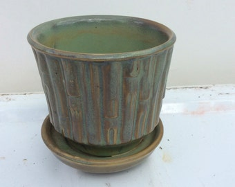 Vintage McCoy pottery planter