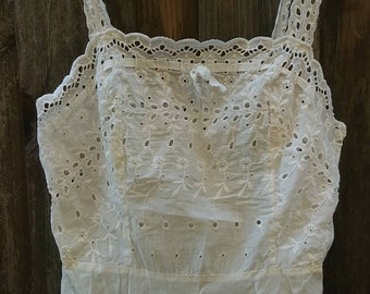 Vintage GARCREST White Floral Embroidered Eyelet Crop Top Size S