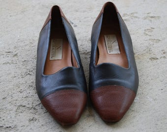 Vintage Naturalizer Flats - Womens Size 8 - Brown Leather Shoes - Slip on Shoes - 1980s Shoes - Navy Naturalizers - Vintage Leather Loafer