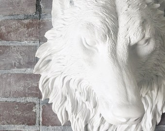ANY COLOR or WHITE Faux Wolf Head Wall Mount // Faux Taxidermy // Game of Thrones // Viking Decor // Animal Totem // 3D Wall Art // Man Cave