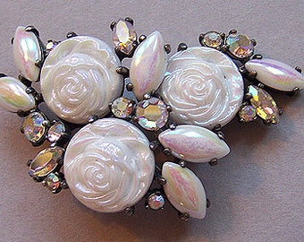 Schiaparelli rose cabochons -  O My goodness...White Alabaster AB in 18 mm (stones only)