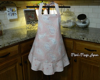 Ladies Full Apron,  Pink Paisley with Butterflies Apron, Woman's full Apron / Retro Style / Full Designer Kitchen Apron / Vintage Apron
