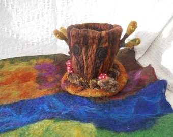 Felted Tree House, Hollow Oak Tree, Play scape, Play mat, Waldorf, Needle Felted, Play Group, Nursery School, Kindergarten, Hedgehog
