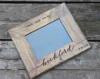 Rustic wedding photo frame, wedding picture frame, 5x7 frame, personalized photo frame, custom picture frame, shower gift, bombshell pro