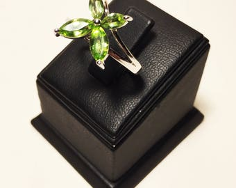 925 Women's Sterling Silver Ring with Green Marquise Synthetic Diamonds