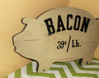 Rustic Wood Pig Sign * Bacon 39 Cents / Lb. * Farmhouse Decor * Hog Shape Wall Decor * Kitchen Restaurant Cafe