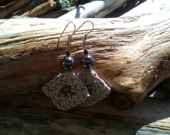Pearl Grey cotton drop earrings with hematite round