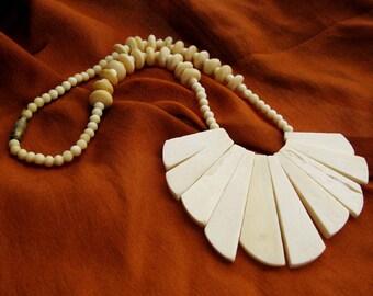 Vintage Bone Necklace Large Fan Bib, Carved Paddle Bib Necklace, Creamy Ox Bone, Statement Necklace, Tribal Hippie Boho, Gift for Her