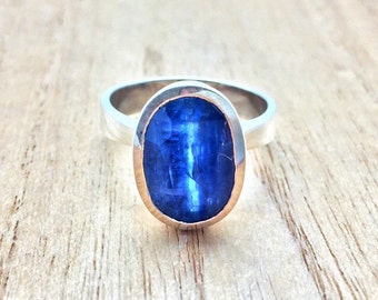 Kyanite Ring // 925 Sterling Silver // Oval Setting // Blue Kyanite // Size 8