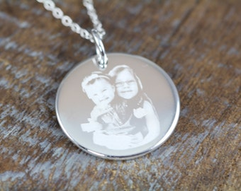 Custom Picture Pendant Necklace for Mom , Mothers Day Gift for Mom , Engraved Picture Pendant, Unique Mommy Jewelry
