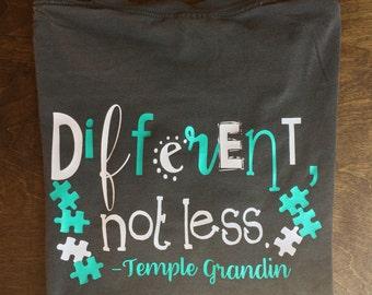Different, Not Less! Diverso, Non Meno! T-shirt Maglietta