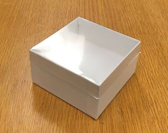 Gift box, Wide Bracelet jewelry Box, white with clear lid