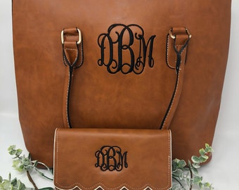 SET of Monogrammed scalloped tote & wallet