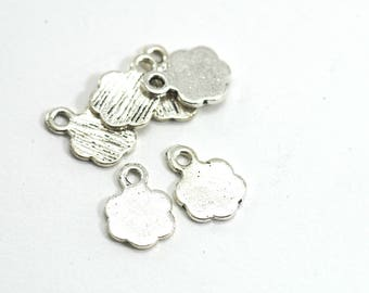10 charms shaped simple flower - Diam. : 8 mm - antique silver color