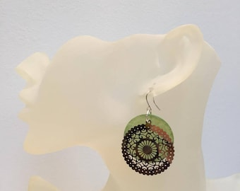 Earrings green and silver lace coin Pearl