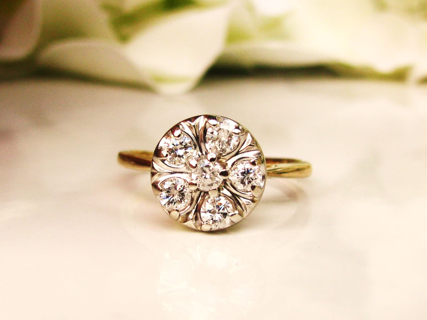 settings rings engagement in daisy product edwardian yellow with diamonds and ring shoulders diamond goldsmiths plain platinum shank set gold cluster an
