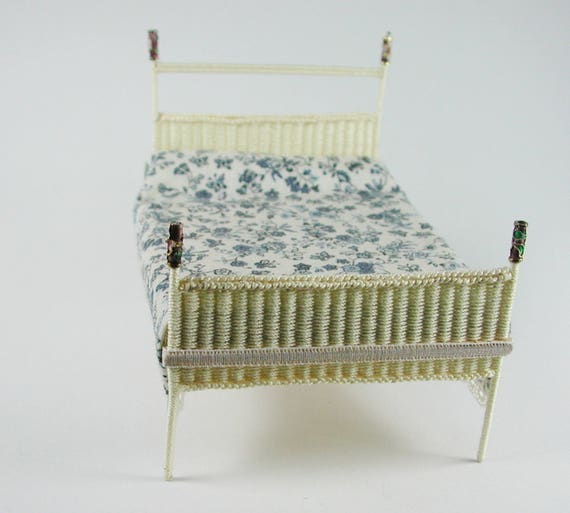 Brettchenca. 11 x 15 cm for bed, floor for wicker, for tinkering for the doll's room, Dollhouse miniatures, model making