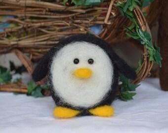 Large Needle Felt Penguin, Christmas, Winter, Gift, Critter, Soft Sculpture, OOAK, For Her, Needle felt, Animal, Fibre Art, Xmas