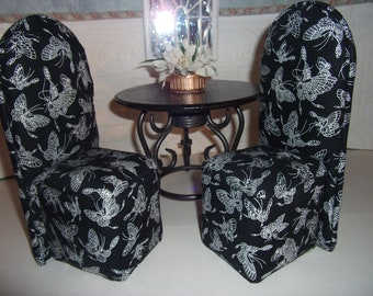 Barbie Dollhouse DINNING ROOM SET scaled for Barbie Blythe Monster High Table  Two Upholstered Chairs Black & White Pattern Carpet floral