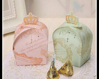 4 lovely boxes, pretty romantic decor and vintage effect gold metal