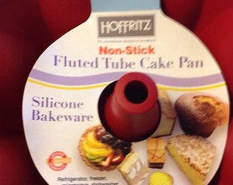Silicon fluted  bundt pan Bakeware by Hoffritz
