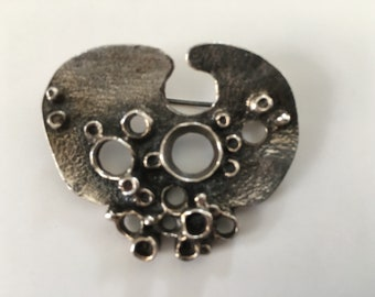 Organic brooch by Relo