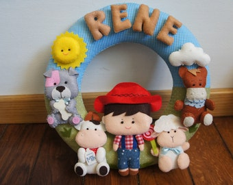 Crown cowboy with 4 animals and name in felt 100% handmade