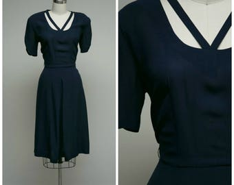 Vintage 1940s Dress • Victorious • Navy Blue Rayon 40s Dres V for Victory Neckline Size Small