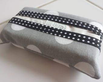 Tissue case large format pattern polka dots