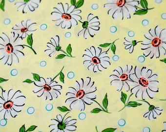 Suzuko Koseki Daisies in Yellow and White by Yuwa - 1/2 Yard