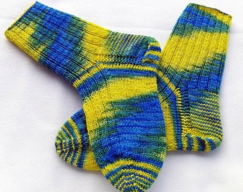 Hand Knit Socks  for Women UK 5-7, US 7-9  Piratenwolle handdyed  Nr. 17