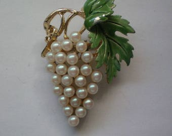 Grape Cluster Pin with faux Pearls - 5666