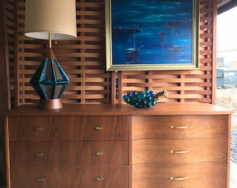 Mid Century Modern Walnut Bassett Furniture 6 Drawer Dresser Credenza