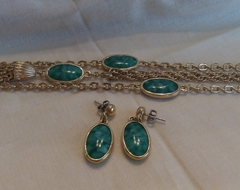 Caroline Emmons Colleen Necklace 3660 & Pierced Earrings Set  Vintage, Green, Golden