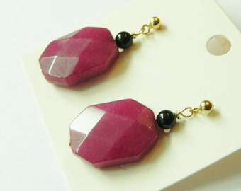 Cherry red quartzite & black onyx gemstone drop earrings with butterfly back