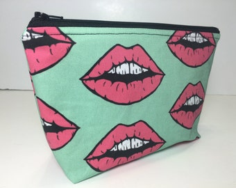 SaleLips Mouth Print Zippered Makeup Pouch Bag
