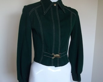 Hip vintage forest green belted acrylic sweater/jacket. Size 11 in good condition.