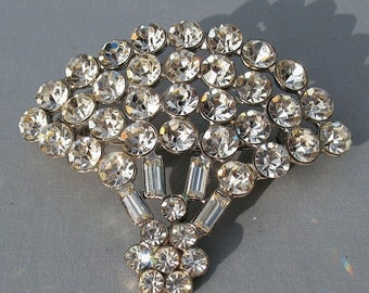 30% OFF SALE Vintage Pomerantz Large Rhinestone Fan Brooch