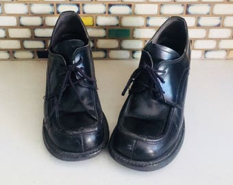 90s Black Leather Brogues Chunky Heels Round Toe Shoes size 8 38 39 Steve Madden
