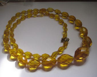 Art Deco Golden Topaz Faceted Graduated Crystal Necklace with Spring Ring Clasp