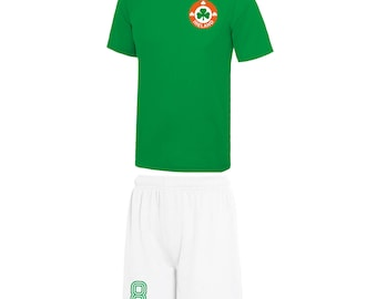 Adults and Kids Republic Ireland Eire Vintage Football Shirt and Shorts with Personalisation - Green / White