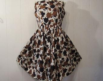 Vintage dress, 1950s dress, flower dress, cotton dress, vintage clothing, medium