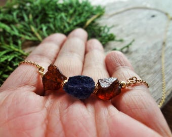 Garnet necklace Raw Garnet Iolite bar necklace Raw Garnet pendant Raw Iolite Raw Garnet rough stone Crystal healing necklace Dainty jewelry