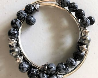 Snow Jasper round gemstone memory wire bracelet