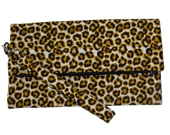 Fold Over Clutch Bag - Animal Print Bags - Clutch Bags - Fold Over Bags - Fall Accessories - Fall Fashion - Zippered Fold Over Bag -Wristlet