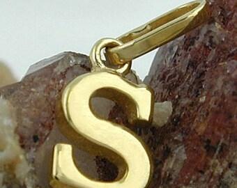 Letter S, pendant, 9Kt GOLD