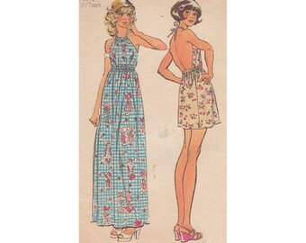70s Backless Mini or Maxi Halter Dress Simplicity 5686 Vintage Junior Misses Petite Sewing Pattern Simple to Sew Jiffy Summer Sundress