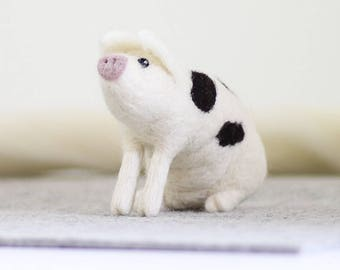 Gloucester Old Spot Pig Craft Kit - Needle Felting Craft Kit - Make Own Pig - British Yarn & Design - Gift