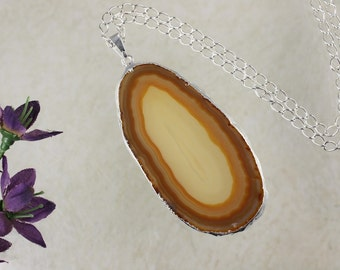 Brown Agate, Agate Pendant, Agate Necklace, Silver Plated Tan Agate Slice Jewelry, APS135