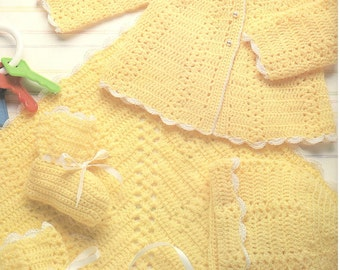 original vintage crochet pattern 1970 shell stitch stripe square baby blanket worked in the round dk weight yarn and layette set neutral